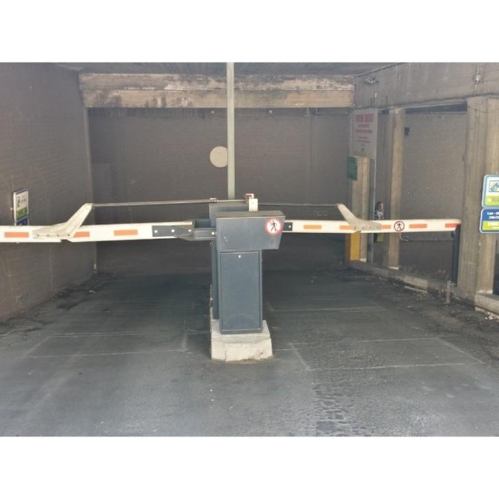Parcheggio Pubblico BEPARK FLEUR DE LYS - GARE DE NIVELLES (Esterno) Nivelles