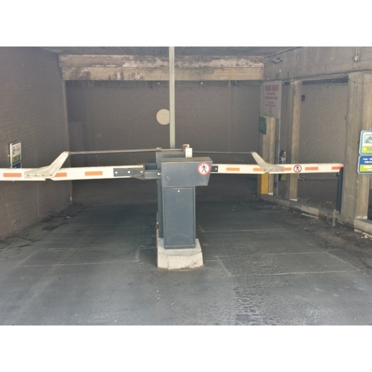 Parking Público BEPARK FLEUR DE LYS - GARE DE NIVELLES (Exterior) Nivelles