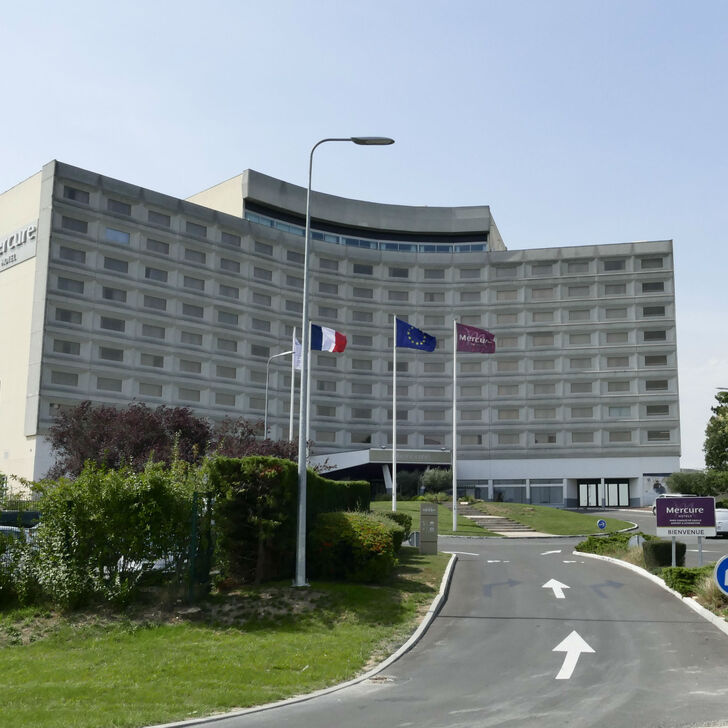 MERCURE PARIS CDG AIRPORT & CONVENTION Hotel Parking (Exterieur) Parkeergarage Roissy-en-France