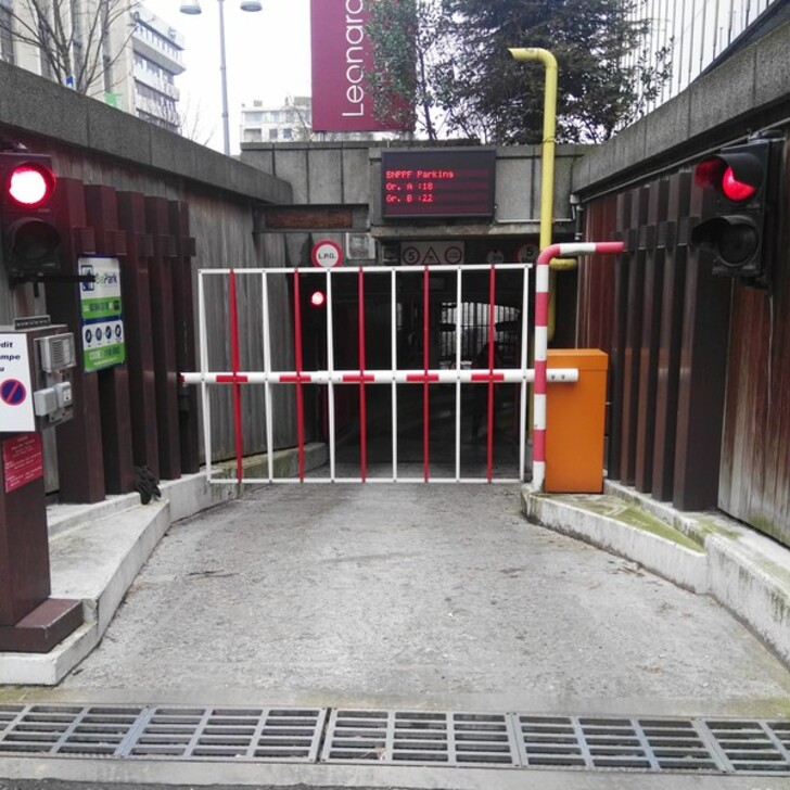 BEPARK CHARLEROI CENTRE TIROU Openbare Parking (Overdekt) Parkeergarage Charleroi