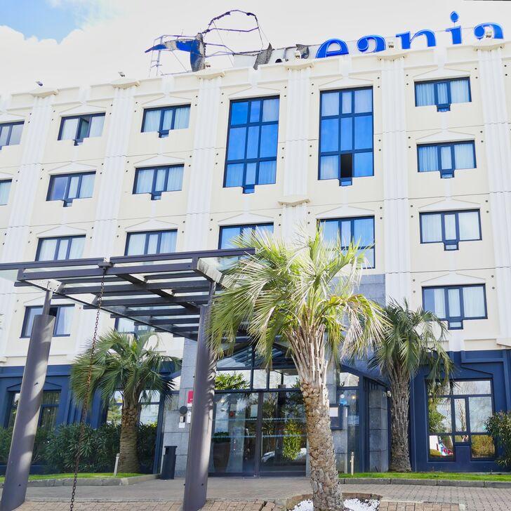 OCEANIA NANTES AÉROPORT Hotel Car Park (External) Bouguenais