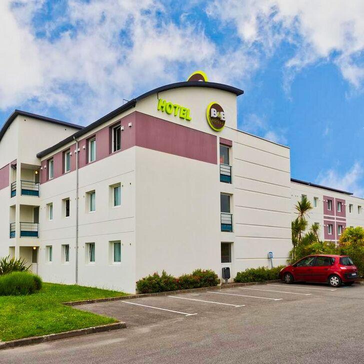 Parking Hotel B&B NANTES AÉROPORT (Exterior) Bouguenais