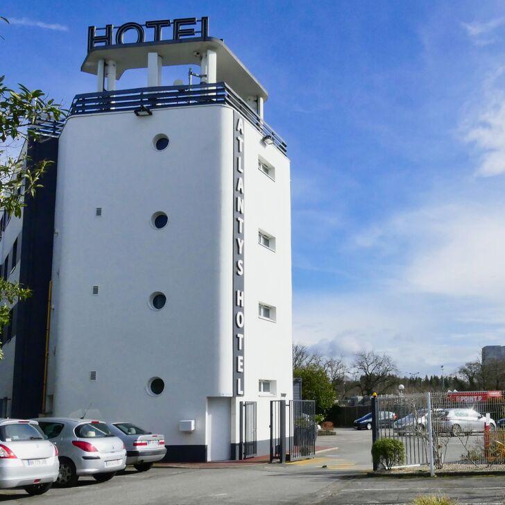 Parking Hôtel BEST WESTERN ATLANTYS HOTEL ZENITH NANTES (Extérieur) Saint Herblain