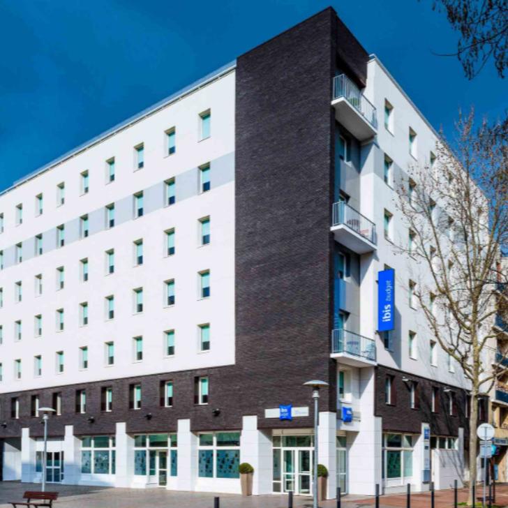 IBIS BUDGET ISSY-LES-MOULINEAUX PARIS OUEST Hotel Parking (Overdekt) Parkeergarage Issy-les-Moulineaux