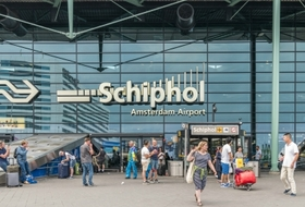 Parkhaus Flughafen Schiphol Amsterdam in Amsterdam : Preise und Angebote - Parken am Flughafen | Onepark