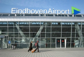 Parking Aéroport de Eindhoven à Eindhoven : tarifs et abonnements - Parking d'aéroport | Onepark