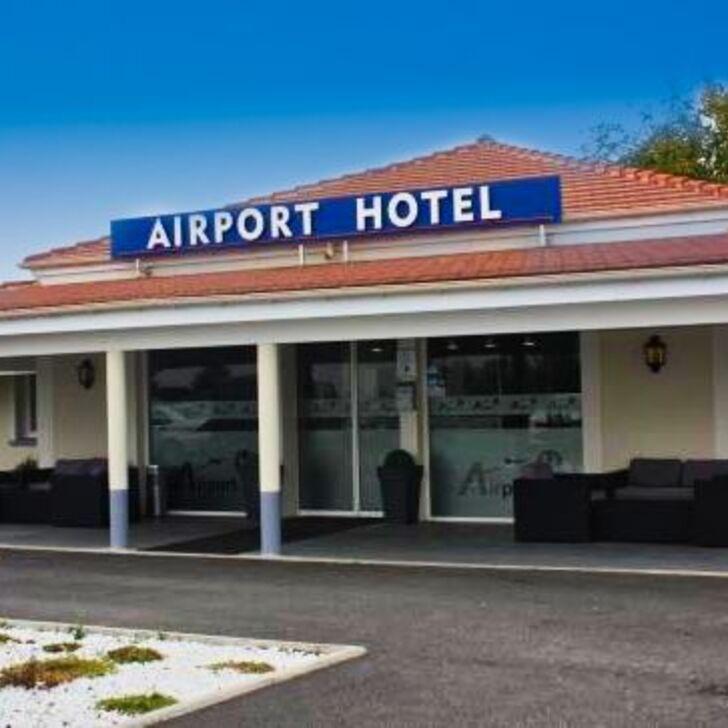 Parque de estacionamento Parking Hôtel AIRPORT-HÔTEL (Extérieur) Mauregard