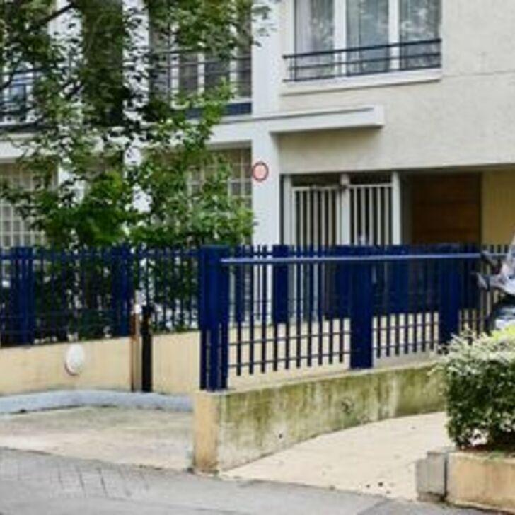 Privatgelände Parkplatz RUE CHAROLAIS (Überdacht) Parkhaus Paris