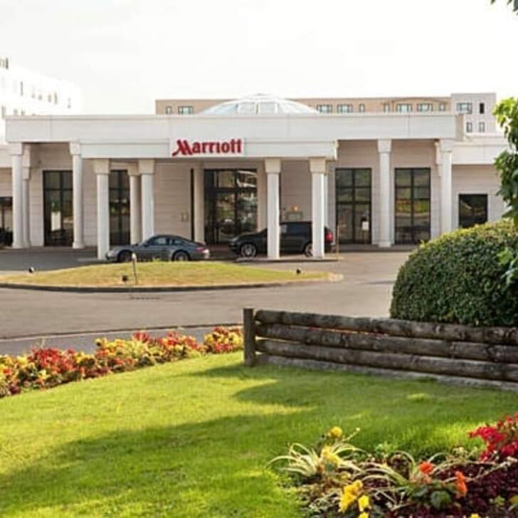 PARIS MARRIOTT CHARLES DE GAULLE AIRPORT HOTEL Hotel Parking (Overdekt) Parkeergarage Roissy-en-France
