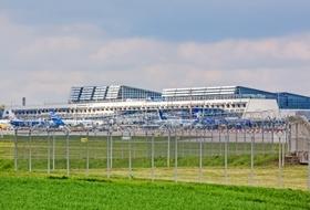 Parkhaus Flughafen Stuttgart in Stuttgart : Preise und Angebote - Parken am Flughafen | Onepark