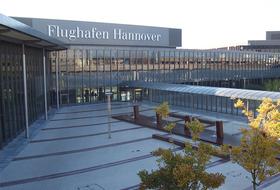 Parkhaus Flughafen Hannover Langenhagen in Hannover : Preise und Angebote - Parken am Flughafen | Onepark