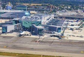 Parkeerplaats Vliegveld Fiumicino Rome : tarieven en abonnementen - Parkeren in de luchthaven | Onepark