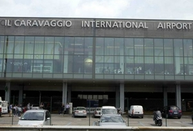 Parkhaus Der Flughafen Bergamo : Preise und Angebote - Parken am Flughafen | Onepark