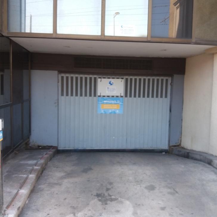 Privatgelände Parkplatz RUE JULES FERRY (Überdacht) Parkhaus Montpellier