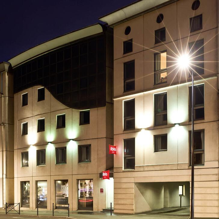 IBIS BORDEAUX CENTRE GARE SAINT-JEAN Hotel Parking (Exterieur) Parkeergarage Bordeaux