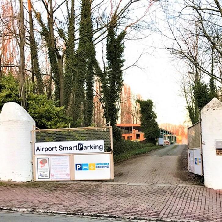Parking Low Cost AIRPORT SMART PARKING (Exterior) Lodelinsart