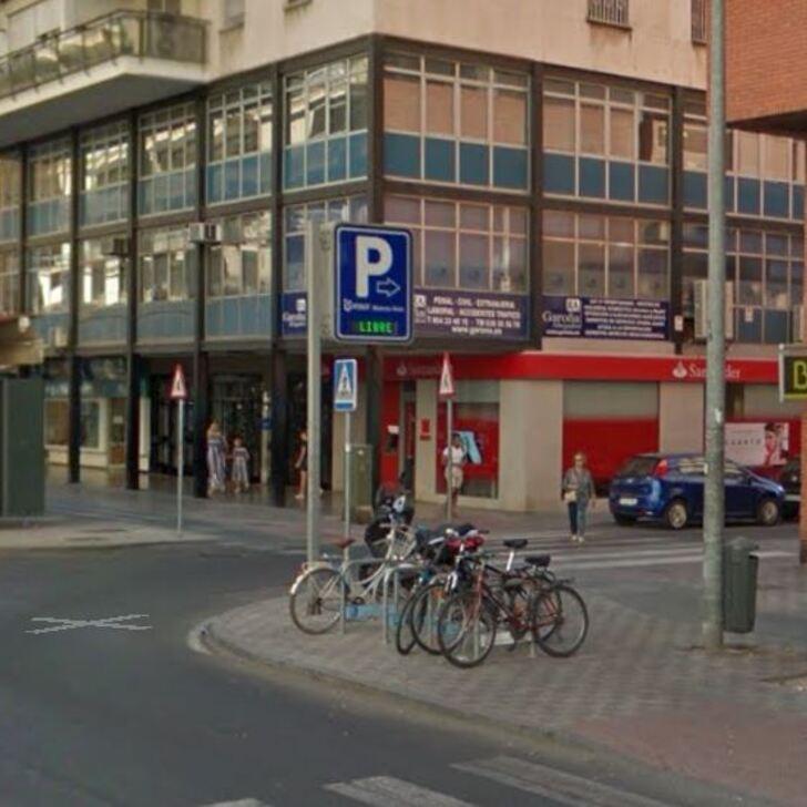 Öffentliches Parkhaus INSUR BUENOS AIRES (Überdacht) Sevilla