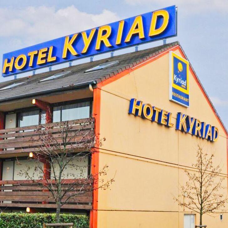 KYRIAD ORLY - RUNGIS Hotel Car Park (External) car park Rungis