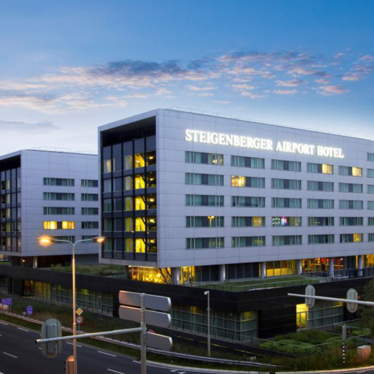 Hotel Parkhaus STEIGENBERGER HOTEL AIRPORT (Überdacht) Schiphol