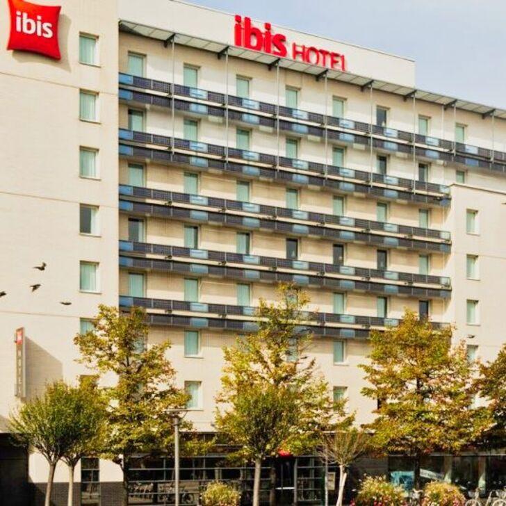 IBIS PARIS PORTE DE CLICHY CENTRE Hotel Parking (Overdekt) Parkeergarage Clichy