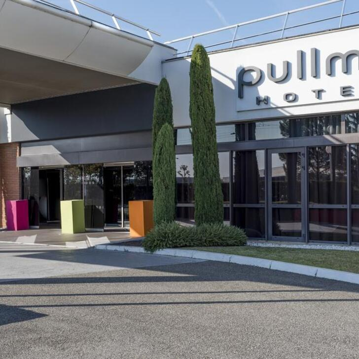 Parking Hotel PULLMAN TOULOUSE AIRPORT (Exterior) Blagnac