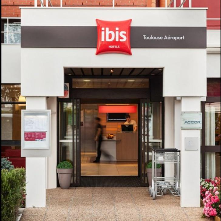 IBIS TOULOUSE BLAGNAC AÉROPORT Hotel Parking (Exterieur) Parkeergarage Blagnac