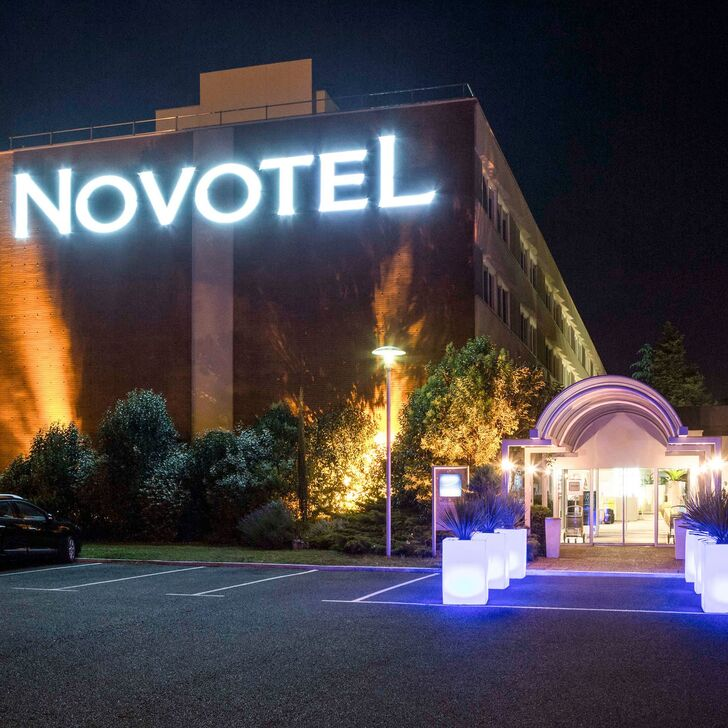 NOVOTEL TOULOUSE PURPAN AÉROPORT Hotel Parking (Exterieur) Toulouse