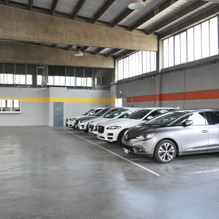 Discount Parkhaus EXPRESS PARKING (Überdacht) Parkhaus Segrate (MI)
