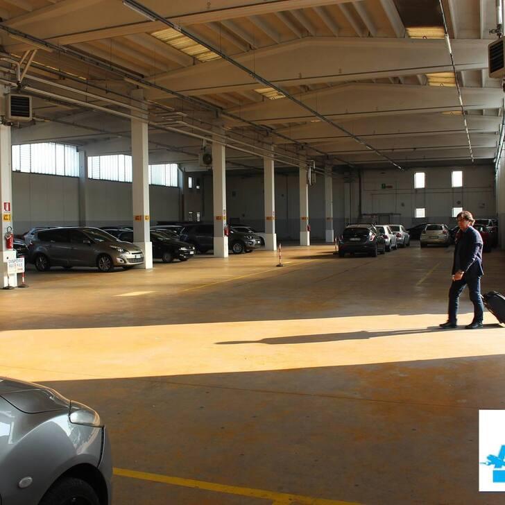 Discount Parkhaus AZZURRO PARK (Überdacht) Grassobbio