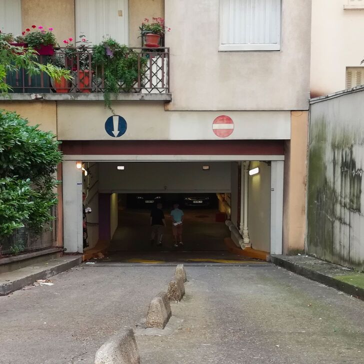 RUE DE L'AMIRAL MOUCHEZ Building Car Park (Covered) Paris