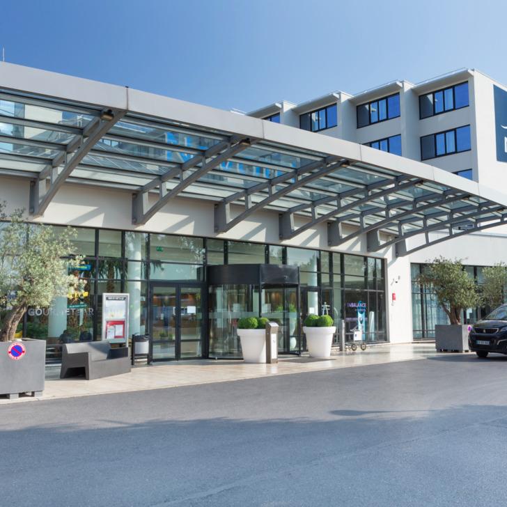 NOVOTEL ROISSY-CDG CONVENTION & SPA Hotel Car Park (External) car park Roissy-en-France