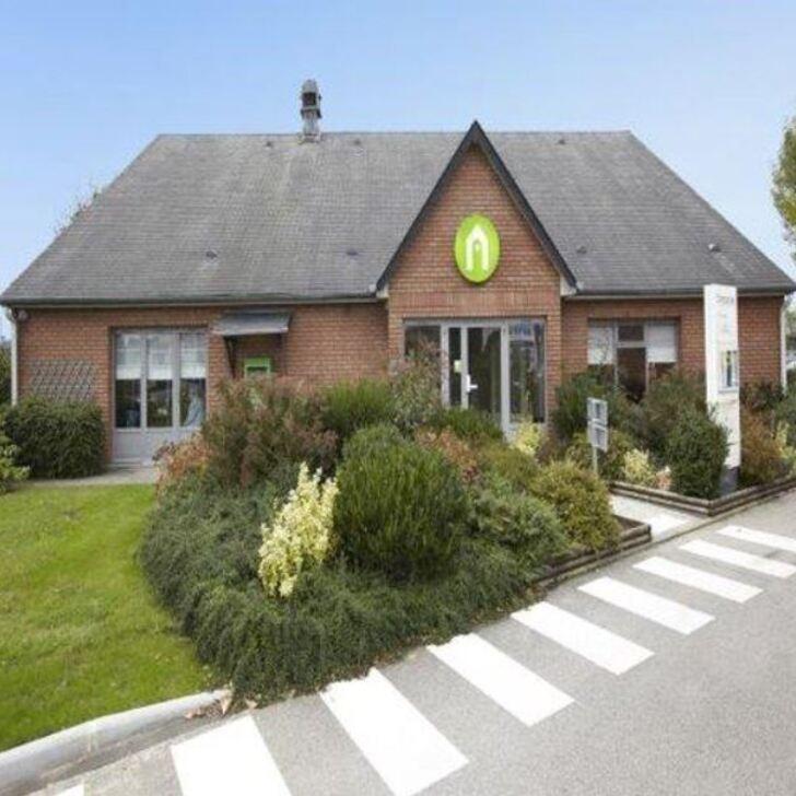 CAMPANILE ROUEN EST - FRANQUEVILLE SAINT PIERRE Hotel Parking (Exterieur) Parkeergarage Franqueville-Saint-Pierre
