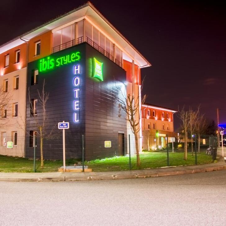 Parking Hotel IBIS STYLES TOULOUSE BLAGNAC AÉROPORT (Exterior) Blagnac