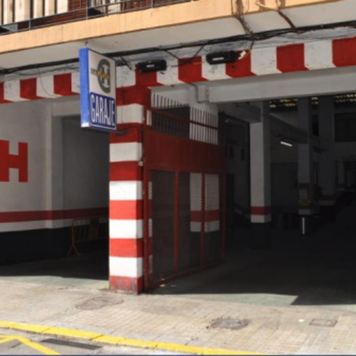 Öffentliches Parkhaus GARAJE LA PLATA (Überdacht) Parkhaus Valencia