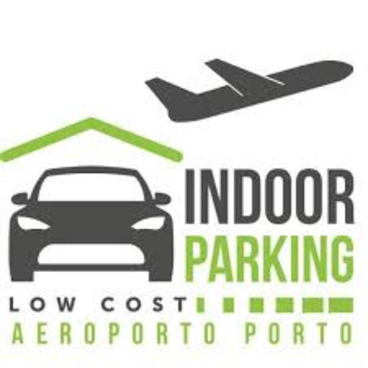 Parque de estacionamento Estacionamento Serviço de Valet INDOOR PARKING LOW COST (Coberto) Maia