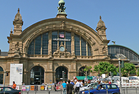 Parkhaus Frankfurt (Main) Hauptbahnhof in Frankfurt : Preise und Angebote - Parken am Bahnhof | Onepark