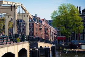 Parkeerplaats Weesperbuurt in Amsterdam : tarieven en abonnementen - Parkeren in een stadsgedeelte | Onepark