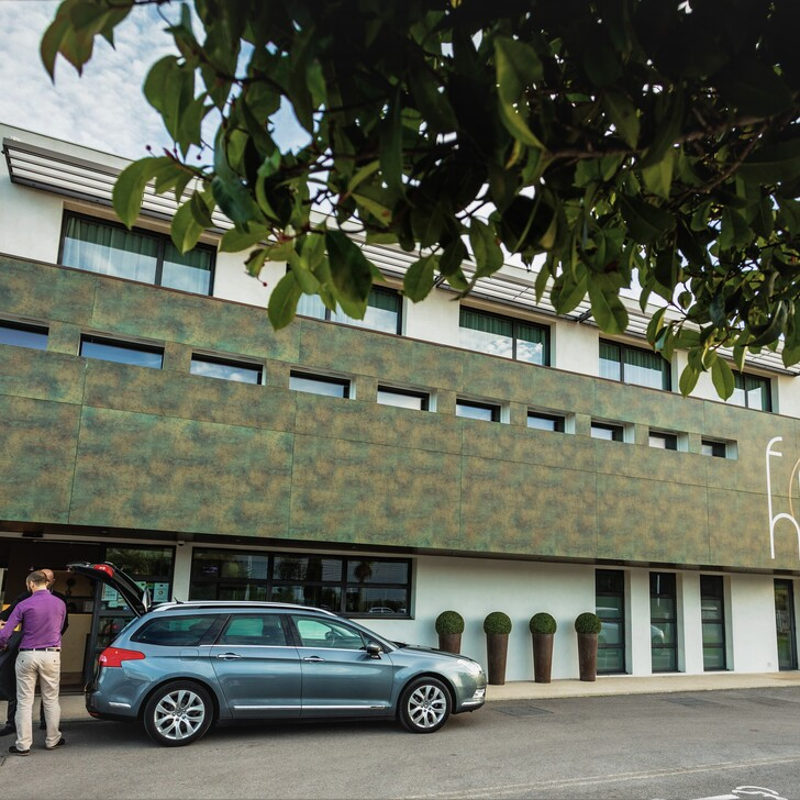 Parking Hotel FORME-HOTEL MONTPELLIER (Exterior) Mauguio