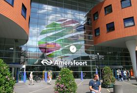 Parkeerplaats Station Amersfoort in Amersfoort : tarieven en abonnementen - Parkeren bij het station | Onepark