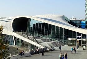 Parkeerplaats Centraal Station Arnhem in Arnhem : tarieven en abonnementen - Parkeren bij het station | Onepark