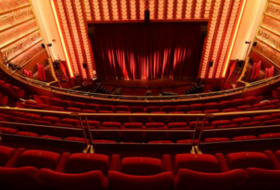 Parking Le Grand Comedia - Théâtre libre à Paris : tarifs et abonnements - Parking de théâtre | Onepark