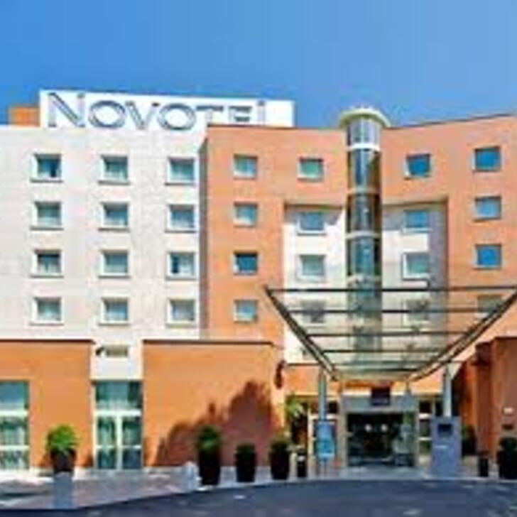 Hotel Parkhaus NOVOTEL ROMA EST (Überdacht) Roma