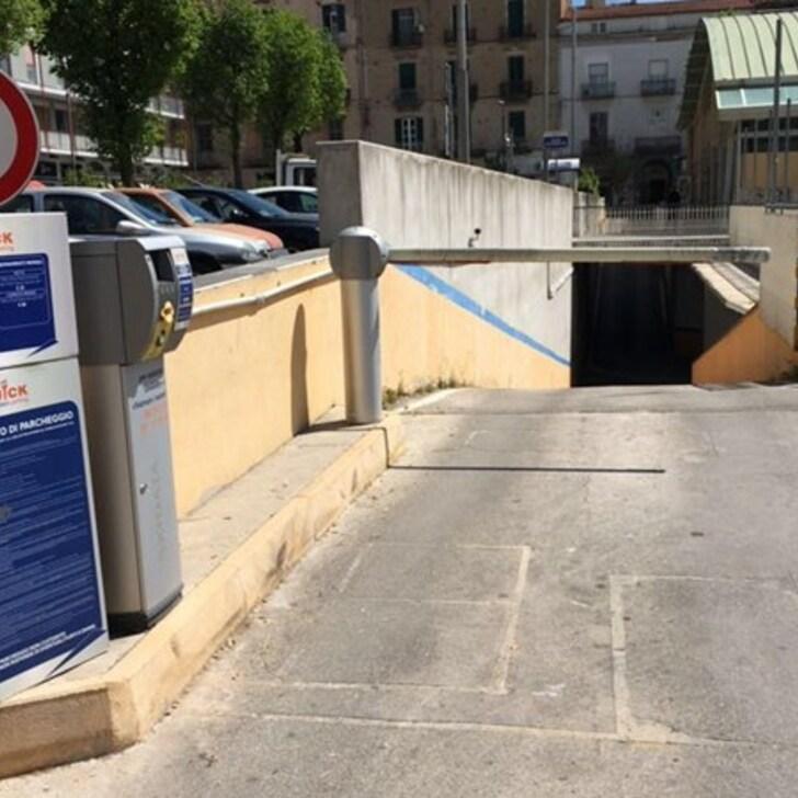 QUICK MERCATO CASERTA Openbare Parking (Overdekt) Caserta