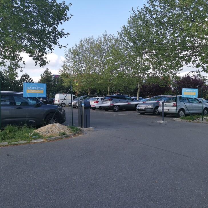 Parque de estacionamento Estacionamento Edifício FM LEONARD DE VINCI (Exterior) Goussainville
