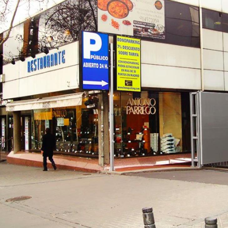 "Parque de estacionamento Estacionamento Oficial REAL MADRID C.F. ESTADIO SANTIAGO BERNABEU ""LA ESQUINA BERNABEU"" (Coberto) Madrid"