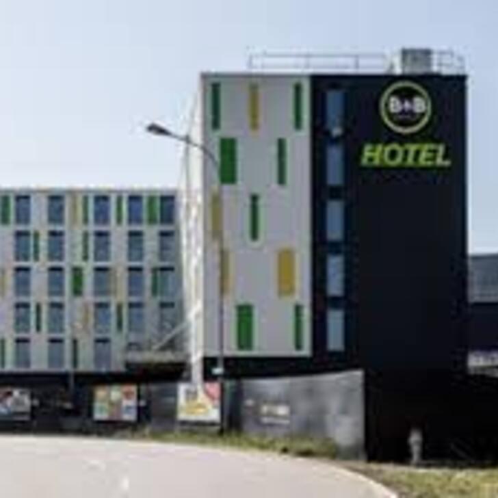 B&B HOTEL ZÜRICH AIRPORT RÜMLANG Hotel Parking (Exterieur) Rümlang