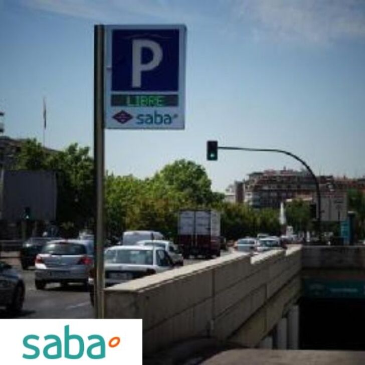 Öffentlicher Parkplatz SABA METRO NUEVOS MINISTERIOS Wochenendtarif (Überdacht) Madrid