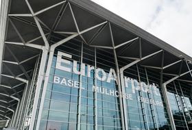 Parking Aéroport de Bâle-Mulhouse à Bâle : tarifs et abonnements - Parking d'aéroport | Onepark
