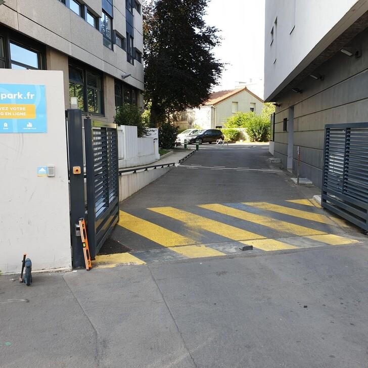 FAC-HABITAT LA GUILLOTIÈRE Parking Privaat Gebouw (Overdekt) Lyon