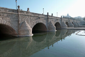 Parkeerplaats Puente de Segovia : tarieven en abonnementen - Parkeren bij een toeristische plaats | Onepark